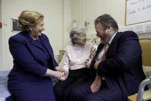 Ministers James Reilly & Frances Fitzgerald with patient Helen O'Neill
